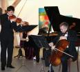 Podkrovím Horácké galerie zněly tóny houslí, klavíru a violoncella