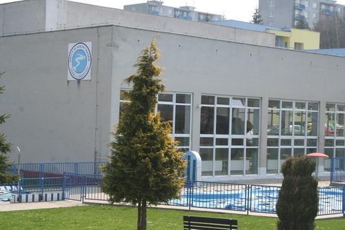 Aktuality - Žďárský bazén bude ještě nějaký čas v provozu