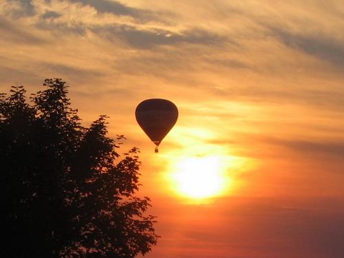Aktuality - Hotel Panský dům přivítá závody v biatlonu létajícím balónem